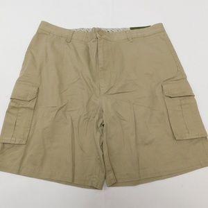 IZOD 42 Beige Cargo Shorts  Cotton
